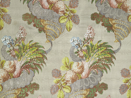 Woven silk panel, patterned silk, Lyon (probably, woven), 1735-1740 (made), <br />© Victoria and Albert Museum, London.