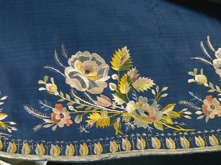 Dress coat, England (probably made), c1790-c1800, embroidered silk<br />© Victoria and Albert Museum, London